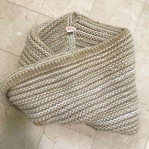 Echo Chunky Knit Infinity Scarf